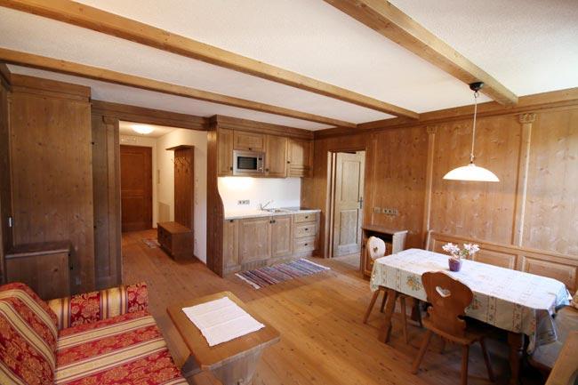 ferienwohnung-appartement-toblach-appartamento-dobbiaco-appartments-ansitz-steiner-a1