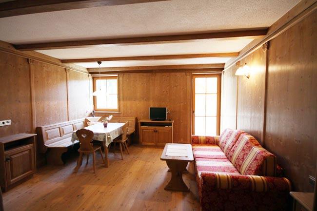 ferienwohnung-appartement-toblach-appartamento-dobbiaco-appartments-ansitz-steiner-a2
