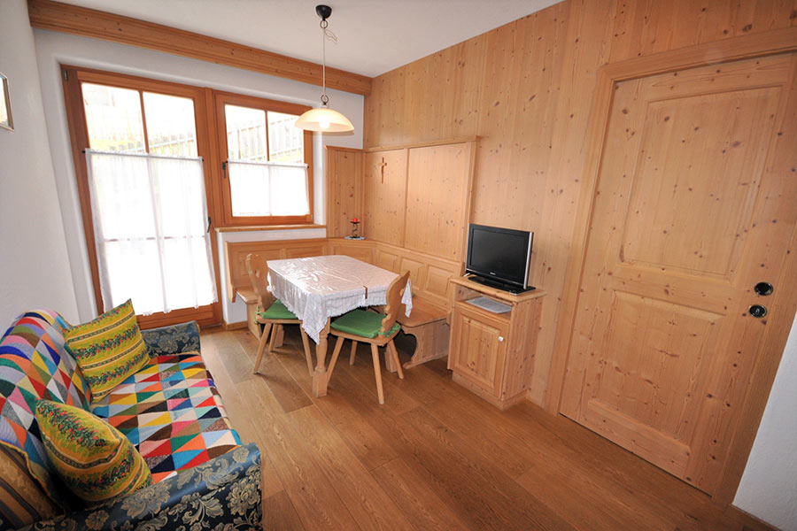 ferienwohnung-appartement-toblach-appartamento-dobbiaco-appartments-ansitz-steiner-k4