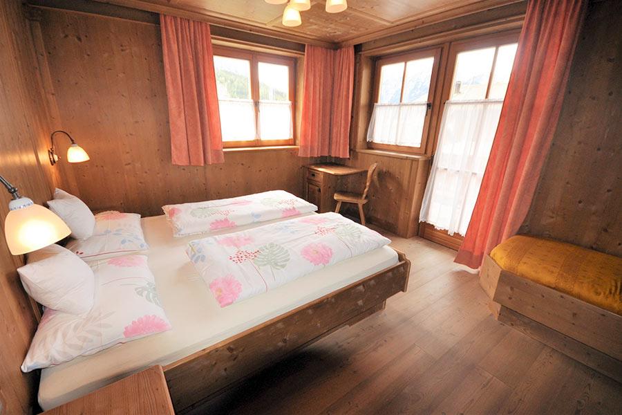 ferienwohnung-appartement-toblach-appartamento-dobbiaco-appartments-ansitz-steiner-m3