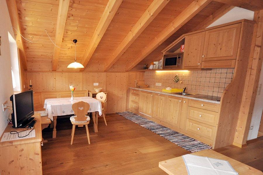 ferienwohnung-appartement-toblach-appartamento-dobbiaco-appartments-ansitz-steiner-r3